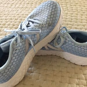 Women's New Balance sneakers Worn once.